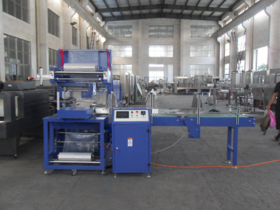 Linear film packing machine for beverage packaging equipment.png